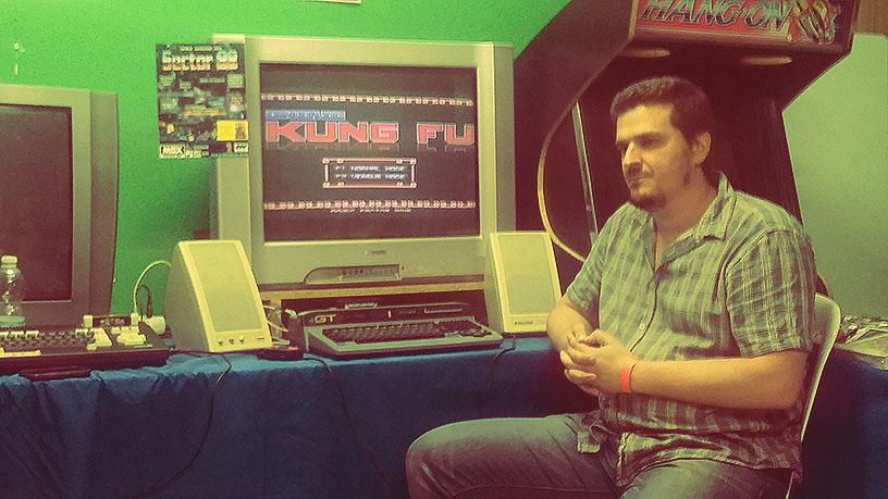 Jorge Romero presentando Oniric Kung Fu